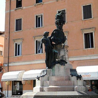 Monumento ai fratelli Pasini