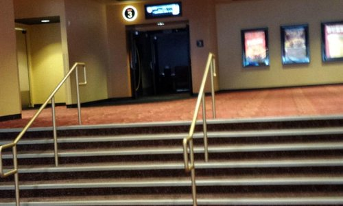 Steps to enter theatre
