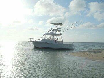 This is Howdy, she is a 34 ft luhrs express.