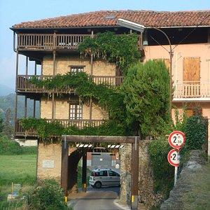 l'Arco delle Streghe a borgata Villa