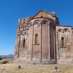 Torre campanaria e abside