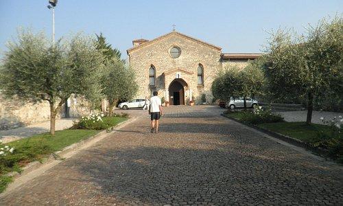 ingresso al Santuario Madonna del Carmine