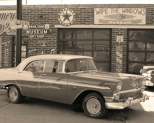 Return to the 50s Museum    Seligman