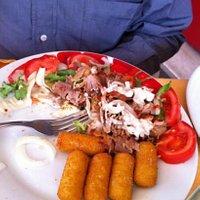 piatto kebab con crocchette di patate