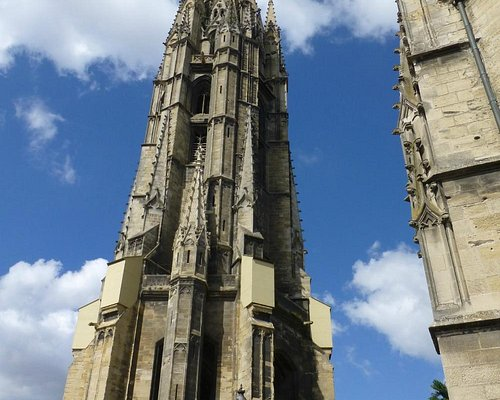 Saint-Michel bell tower, 114m tall