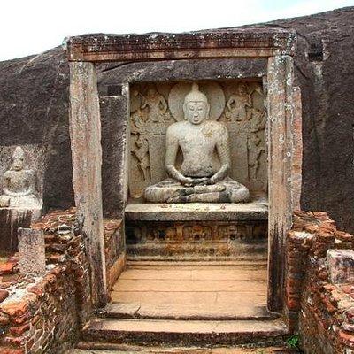 The Samadhi Buddha damaged by treasure hunters