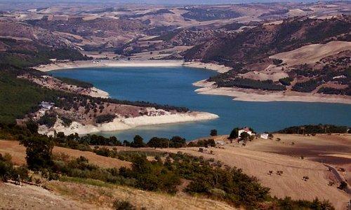 Visuale del lago di Occhito - Macchia Valfortore