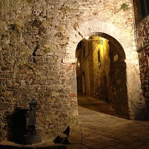 Porta medievale Chiusdino