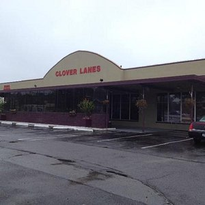 Front of Clover Lanes