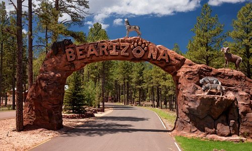 Bearizona Entrance Arch