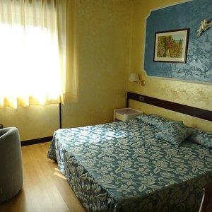 camera matrimoniale colore blu