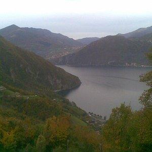 il lago visto da croce di zone
