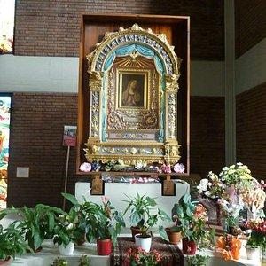 Il volto della Madonna alla quale vengono attribuite grazie