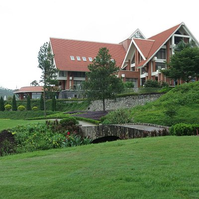 The clubhouse view from the 18th