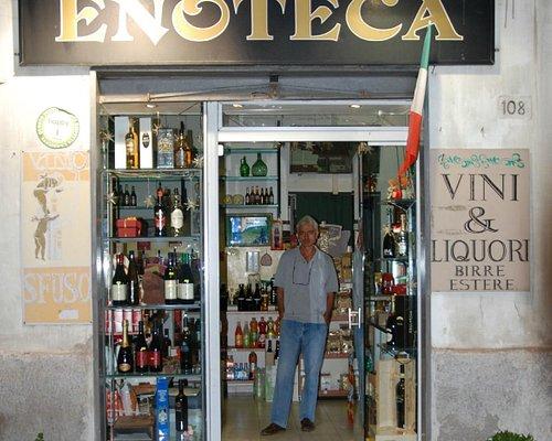Enoteca Riccardi di via Consalvo a Napoli