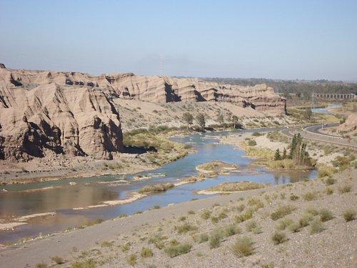 Rio San Juan (próximo ao Dique de Ullum)