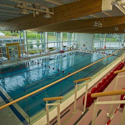 25m Fina Standard Pool with Lane Swimming