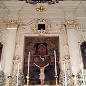 Parte superiore dell'altare centrale