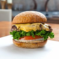 The Grass-Fed Lounge Burger