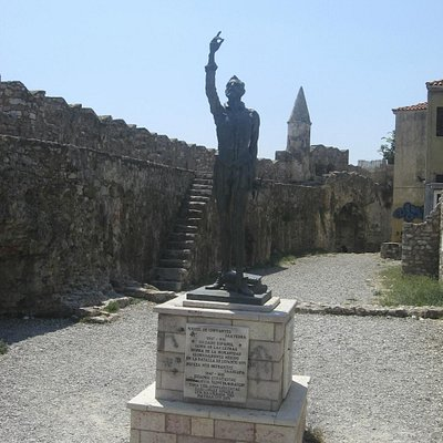 Cervantes statue in memorial garden