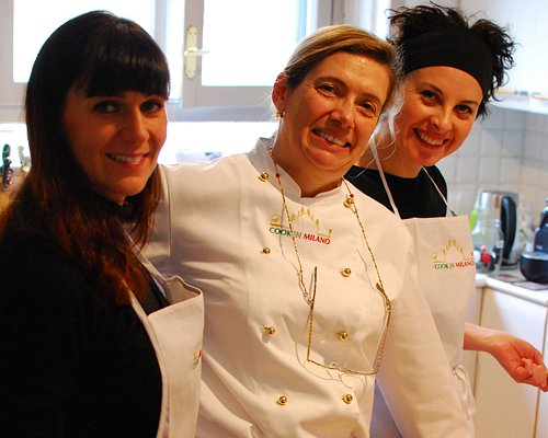 Chef Clara holding an Italian cooking class in her home kitchen