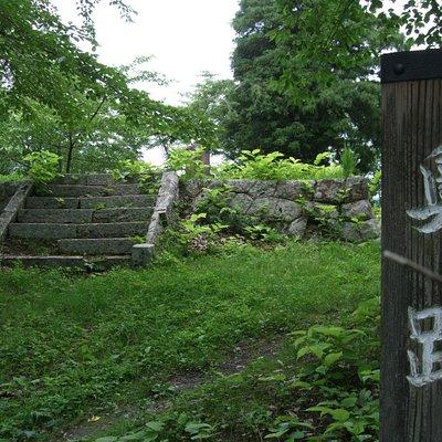頂上付近の城跡