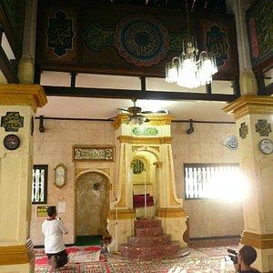 Ruangan Dalam Mesjid Jami Angke Al-Anwar