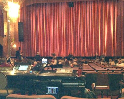 paramount-theatre-aurora-il