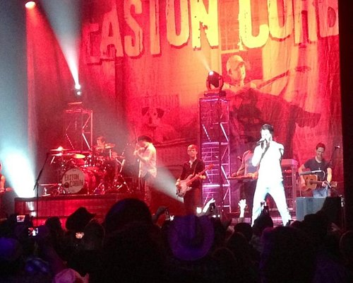 Easton Corbin played an AWESOME show at Club Nokia last night!