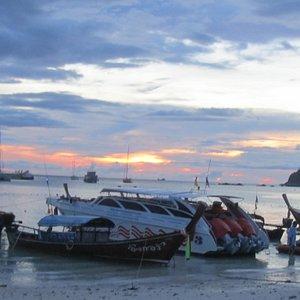 Sunset at Pattaya Beach :Q)