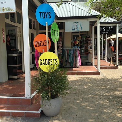 Unique B - Shop front