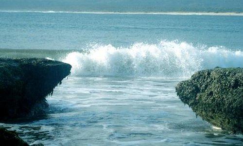 santolo beach waves