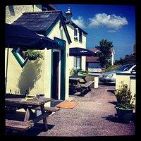 Sunny mornings in Wick, Vale of Glamorgan