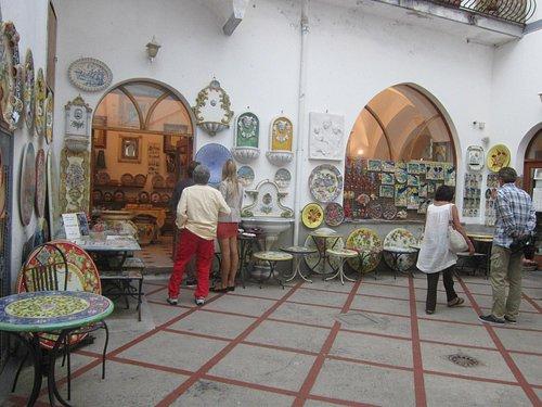 Ravello ceramic stores