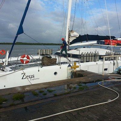 Nossa embarcação: Zeus.