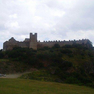 Vista del adarve del Castillo de Cornatel Fotografía:Manuel Terrón Álvarez y alojada en Wikiped
