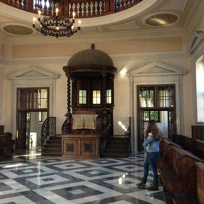 Interno della Sinagoga