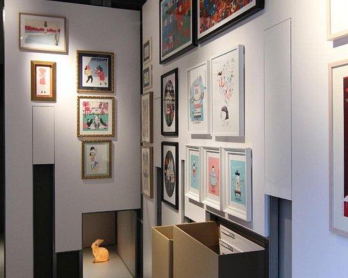 PLOM Gallery, exhibition walls