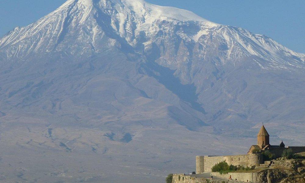 Monte Ararat , suggestivo e imponente