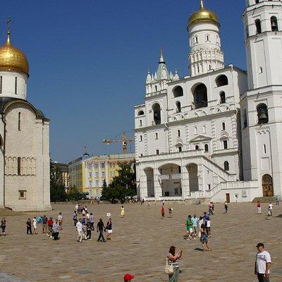 Кремль - Соборная Площадь