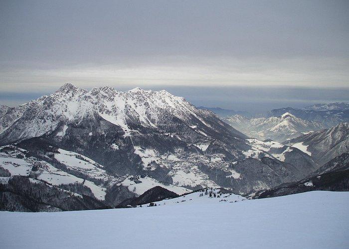 Alben mountain under the snow