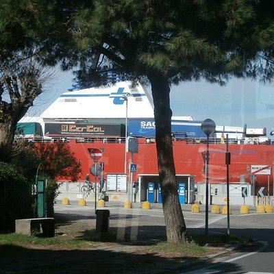 Passano grosse navi a Marina!