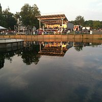 Willow Creek Winery Stage