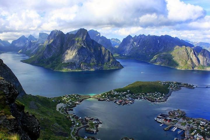 Reinebringen, Lofoten Islands