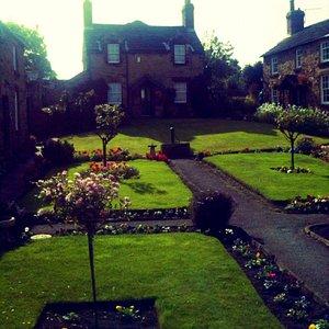 Paradise Square, Wentworth.