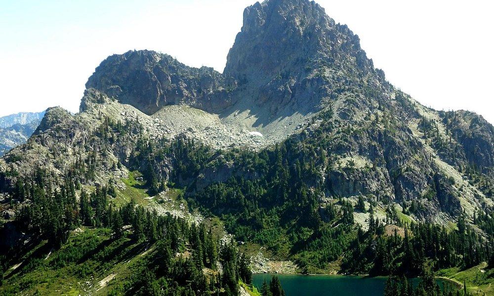 Peggy's Pond, Cascade Mountains. WA state