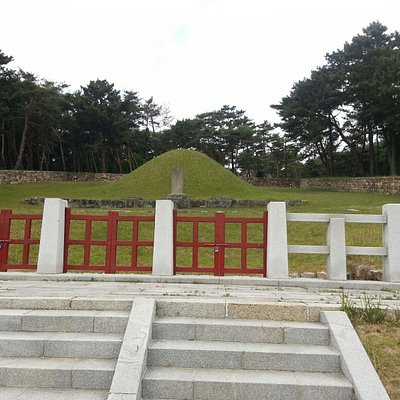 수로왕       부인     허황후묘소   인도    아유타 국 에서    오신