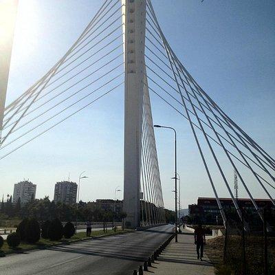 Рядом с мостом