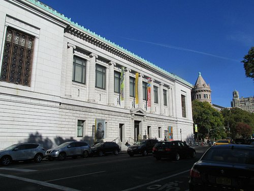 New York Historical Society, looking North on Central Park West