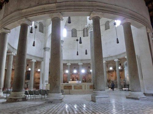 das Innere von San Stefano Rotondo